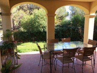 LAST MINUTE 7-27 APRIL! Villa con piscina y porche, wifi, mar, bbq...