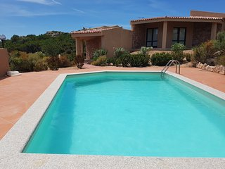 Holiday house Li Streghi in front of the swimming pool