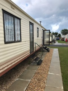 8 BERTH, 3 BEDROOMED CARAVAN, GOLDEN PALM RESORT - FAMILIES ONLY