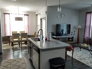 Amazing 2 Beds Condo Close to ALL Disney Parks..