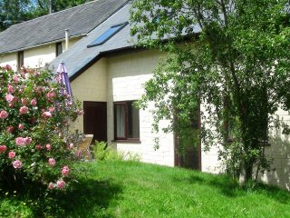 BARLEY Holiday Cottage with shared indoor pool