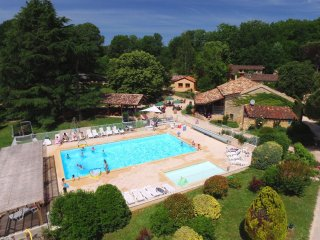Villa 4/6 pers. #10 in **** Dordogne Holiday Resort