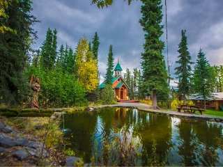 A Cabin by the Pond