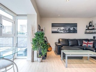 BRIGHT CLEAN MODERN APARTMENT IN DALSTON!