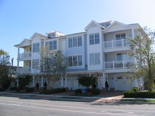 NORTH WILDWOOD - Luxury Vacation Rental 1611 (Unit 1)- 1 Block to BEACH
