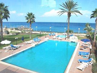Beach Front Luxury Apartment, Protaras Paralimni