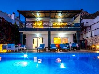 Holiday Villa in Akbel Kalkan sleeps14-114