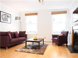 44. LOVELY 3BR TOWNHOUSE IN KNIGHTSBRIDGE BY HARRODS AND HYDE PARK!