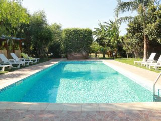 Large Brindisi Villa With Pool