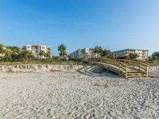 Beach Club #115