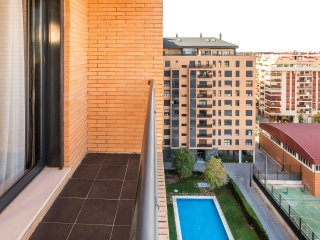 ApartUP Francia Contemporary. WiFi + Piscina + AACC