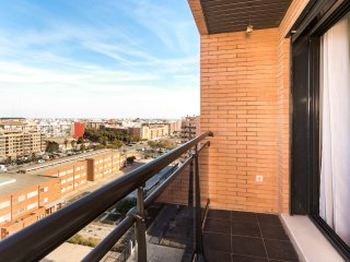 ApartUP Francia Contemporary. WiFi + Piscina + AACC