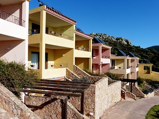 Apartment with amazing seaview in front of the swimming pool