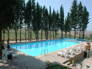San Gimignanello Apartment Sleeps 9 with Pool and WiFi - 5490440