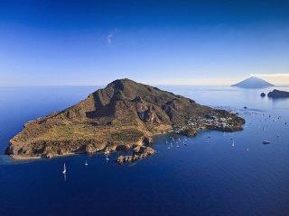 Settimana in barca a vela alle Isole Eolie con Skipper