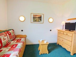 2 bedroom Apartment in Saint-Bonnet-des-Bruyères, Auvergne-Rhône-Alpes, France :