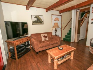 ~Bear Pause~Newly Renovated Sugarloaf Retreat~Minutes To Town~