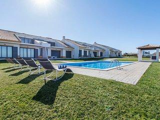 Villa Azoia - New!