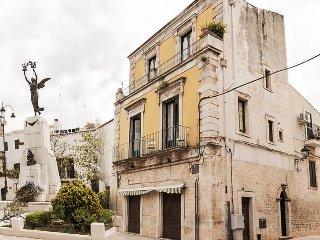 Historic Mansion, Studio for 3 near Village Square