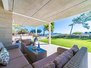 Playa de Muro Holiday Home Sleeps 7 with Air Con and WiFi - 5503153
