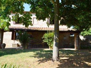 4 bedroom Villa in Monte San Savino, Tuscany, Italy : ref 5490598