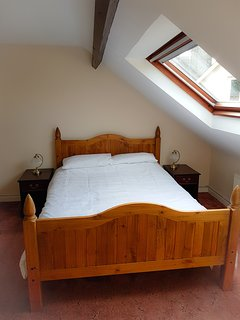 Upstairs kingsize bedroom