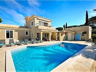 4 bedroom Villa in Vale do Lobo, Faro, Portugal : ref 5433153