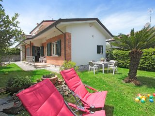 5 bedroom Villa in Forte dei Marmi, Tuscany, Italy : ref 5312045