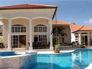 Luxurious 3,4,5 & 6 bedroom villas on the Caribbean in exclusive VIP resort