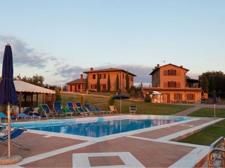 9 bedroom Villa in Pomaia, Tuscany, Italy : ref 5490458