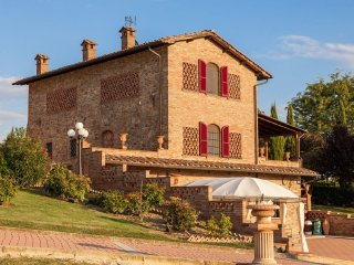 5 bedroom Villa in Pomaia, Tuscany, Italy : ref 5490599