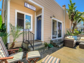 'The Salty Dog' Adorable Beachy Condo, Steps To Sand And Balboa Village
