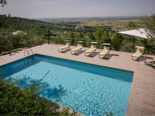 4 bedroom Villa with Pool and WiFi - 5490522