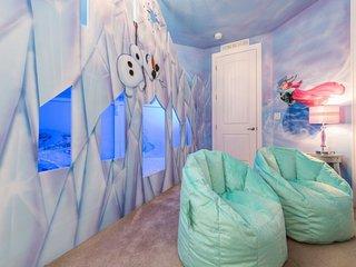 EC040-Fr2 Encore Club 10 Bedroom Villa