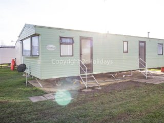 6 berth caravan. California Cliffs holiday Park. Pets Welcome. Ref 50003 Eagle