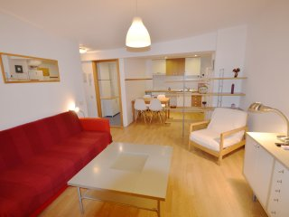 The apartment is located in the heart of Madrid, very close to Plaza Mayor