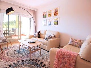 2047 - 2 bed apartment, Calanova Grand Golf, La Cala de Mijas