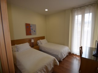 Great apartment up to 6 people close to fine arts circle Madrid.