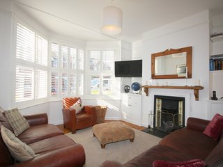 Pretty Victorian House 5 Minutes Walk from Beach, Eastbourne Pier & Town Centre