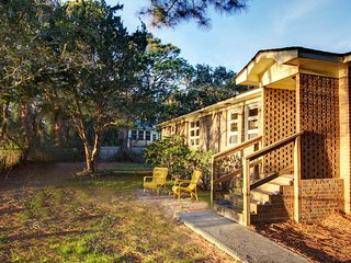 SunsetShack Folly Beach House on Pond 1 Block to Beach AMAZING SUNSETS