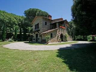 3 bedroom Villa in Orzale, Tuscany, Italy : ref 5490383