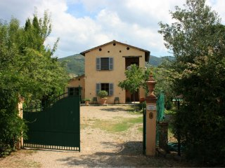 3 bedroom Villa in Mortelle, Tuscany, Italy : ref 5490385