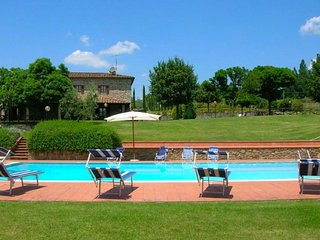 5 bedroom Villa in San Giuliano Terme, Tuscany, Italy : ref 5490516