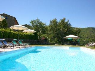 4 bedroom Villa in Piegaio Basso, Tuscany, Italy : ref 5490596