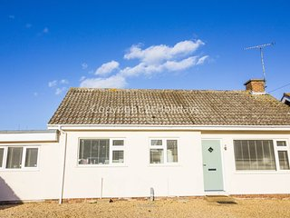 Beautiful 4 Berth Holiday Cottage in Heacham. Ref: 24015 Lamsey Lane