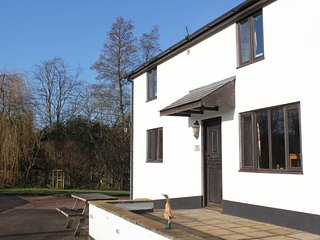 Stunning Devon Country Cottages - Mallard Cottage, sleeps 8, 4 bedrooms