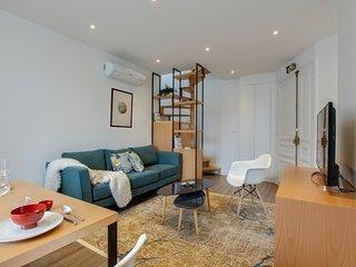 G02683 -2 BR flat Montorgueil - Renovated
