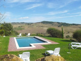 Sant'Ambrogio Villa Sleeps 13 with Pool and WiFi - 5490495