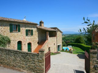 4 bedroom Villa in Molino del Calcione, Tuscany, Italy - 5490348