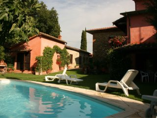 Santa Maria a Monte Villa Sleeps 12 with Pool and WiFi - 5490559
